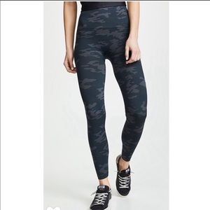 Spanx Look At Me Now Camo Leggings XL